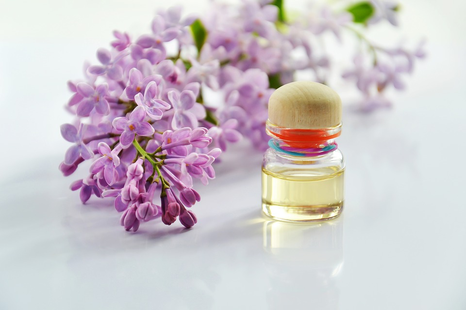 Essential Oils and Aromatherapy: Natural Fertility Boosters