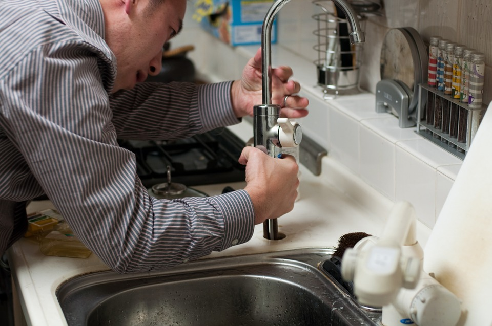 What you need to know before clearing your blocked drain!